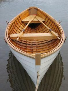This is a boat that the Finnish Language campus of Concordia College commissioned to be built by Stewart River Boatworks. It is a copy of a traditional fishing boat from the Savo province of Finland. Wooden Row Boat, Wooden Boats, Jon Boat, Boat Dock, Model Boat Plans, Build Your Own Boat, Plywood Boat, Small Boats, Boat Building