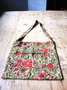 Vintage Shoulder Bag Cloth Tote 1950s Fabric and by VintageZipper, $14.00