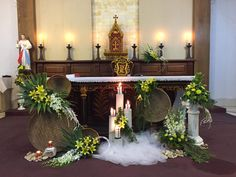 Altar Flowers, Church Flower Arrangements, Church Flowers, Floral Arrangements, Church Altar Decorations, Flower Decorations, Wedding Decorations, Jesus Christ Images, Flower Installation