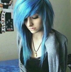 She has perfect hair!! X3