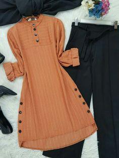 Stylish Dresses For Girls, Stylish Dress Designs, Designs For Dresses, Muslim Women Fashion, Pakistani Dresses Casual, Kurta Designs Women, Mode Hijab, Fashion Outfits, Muslim Girls