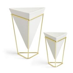 Midcentury Modern Umbra Trigg Desktop Planter Vase & Geometric Container – Great For Succulent Plants, Air Plant, Mini Cactus, Faux Plants and More, White Ceramic/Brass (Set of Wall Mounted Planters, Decorative Planters, Large Planters, Ceramic Planters, Brass Planter, Design Vase, Deco Design, Mesa Metal, Small Indoor Plants