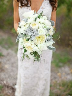 Gorgeous, simply gorgeous bouquet ~ Photography by troygrover.com, Floral Design by flowersannettegomez.com