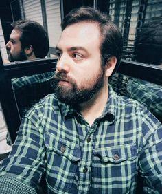 Escucha a tu yo del otro lado del espejo y descubre un mundo nuevo.  Good night! #me #men #mensfashion #menstyle #menswear #blogger #foodie #Madrid #ootd #ootdmen #style #beard #beardstyle #friends #night by gafasamarillas