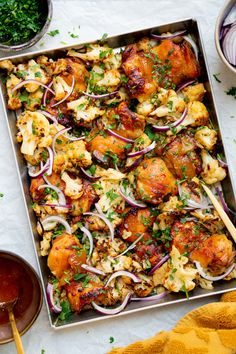 nl Culy Homemade: chicken and cauliflower with mango chutney from the baking tray – Culy. Love Food, A Food, Food And Drink, Quiche, Salad Recipes, Healthy Recipes, Healthy Food, Oven Dishes, Comfort Food