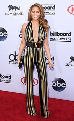 Chrissy Teigan in double stripes. silhouettetrend.com
