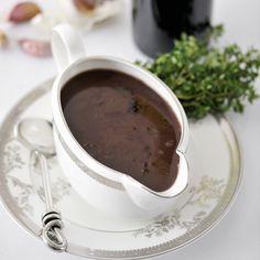 Klassisk rödvinssås Chocolate Fondue, Dips, Desserts, Dressing, Food, Alternative, Tailgate Desserts, Sauces, Deserts