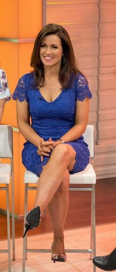 7 times saucy Susanna Reid's office wardrobe was NOT suitable for work! Beautiful Old Woman, Gorgeous Women, Beautiful People, Beautiful Legs, Susanna Reid Legs, Susanna Reid Stockings, Sexy Older Women, Sexy Women, Itv Weather Girl