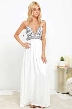 Make that sunny afternoon even more magical with the Lulus Days of Sunlight Ivory Embroidered Maxi Dress! Gauzy woven rayon swings from tying spaghetti straps (with beads) to a triangle bodice with navy blue embroidery. Smocked waist tops the maxi skirt. Ivory Dresses, Cute Dresses, Casual Dresses, Summer Dresses, Maxi Dresses, Evening Dresses, Formal Outfits, Vacation Dresses, Maxi Skirts