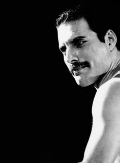 black and white pictures of freddie mercury Queen Freddie Mercury, Freddie Mercury Tattoo, Freddie Mercury Quotes, John Deacon, Freddie Mercuri, King Of Queens, We Are The Champions, Roger Taylor, Queen Photos
