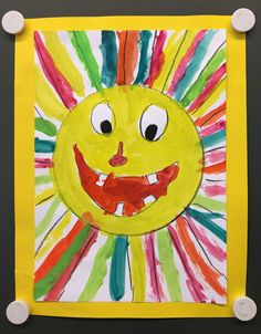 Colorful and fun sun as a summer art project.