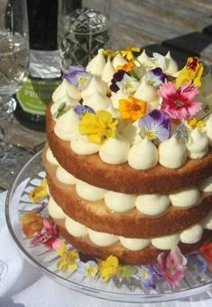 Royal Charlotte lemon drizzle cake by Jamie Oliver to celebrate the