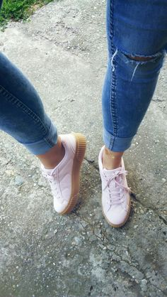 I am absollutely addicted.. Powder pink sneakers..gorgeous