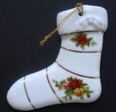 Royal Albert China Series - Christmas Ornaments- Stocking Birthday Cake Cheesecake, Country Rose, Christmas Time, Christmas Ornaments, Pin Pics, Ceramic Design, Antique China, China Patterns, Royal Albert