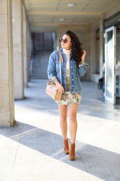 Matching Mini Skirt and Denim Jacket esprit outfit suede boots autumn look fall style streetstyle jeansjacke minirock herbst fashionblogger mode blog samieze berlin_