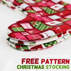 Christmas stocking pattern - Use this free pattern to make the best diy Christmas stockings for the entire family. Also, they are reversible, so you'll be able to match them to your Christmas decor for years to come!