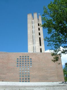 Church of the Cross in Lahti,Finnland (1969-79)/ Alvar Aalto