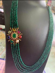 South indian bridal jewellery earrings pearls 61 new ideas Gold Earrings Designs, Gold Jewellery Design, Bead Jewellery, Necklace Designs, Beaded Jewelry, Beaded Necklace, Gold Designs, Temple Jewellery, Gemstone Jewelry