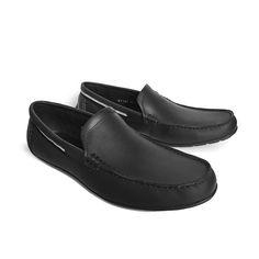 Giày lười nam Bally cao cấp tại shop thoitrang79 với chất liệu da đẹp và vô cùng mềm mại, xài bền lâu. Hơn thế nữa bạn sẽ được tặng thẻ VIP giám giá 10% cho những lần mua hàng sau khi mua đôi giày nam hàng hiệu cao cấp này. + Địa chỉ: 5B Nguyễn biểu, p1,q5. + Gọi 0977 888818 để đặt hàng.