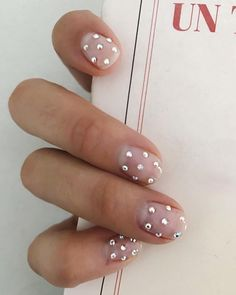 Semi-permanent varnish, false nails, patches: which manicure to choose? - My Nails French Manicure Gel Nails, Nude Nails, My Nails, Nail Art Halloween, New Nail Trends, Cute Summer Nails, Beach Nails, Party Nails, Sparkle Nails