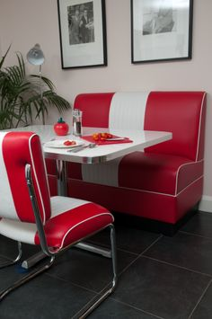 Our Lexington Booth Set looking fabulous in American Beauty Red! Makes you really fancy a milkshake and a cheese burger right..? Check out cola-red.com for more classic retro diner furniture.