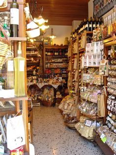 Gourmet and wine shop in Sicily