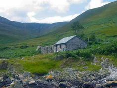 Mountain Bothies Association: locations in England, Scotland and Wales.