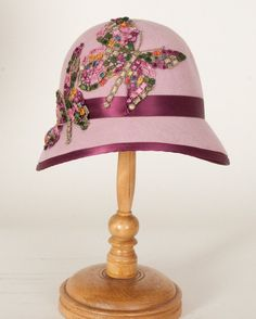 1129EYV Emily, vintage rose with burgundy I love the style but would prefer a flower to a dragonfly