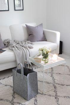 Iittala Meno-kassi | Home Vanilla interior Room Inspiration, Home And Living, Decor, Interior Design, Home Living Room, Living Room Inspiration, Home, White Interior, Room