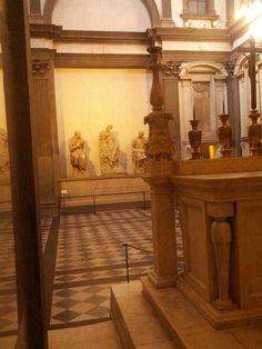 Sagrestia nuova di michelangelo con la tomba di lorenzo il magnifico e giuliano de medici