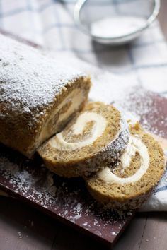Banana Cake Roll with Caramel Cream Cheese Filling via Audra Fullerton // The Ba. Banana Cake Roll with Caramel Cream Cheese Filling via Audra Fullerton // The Baker Chick // Köstliche Desserts, Delicious Desserts, Dessert Recipes, Yummy Food, Picnic Recipes, Health Desserts, Plated Desserts, Banana Roll, Banana Cream