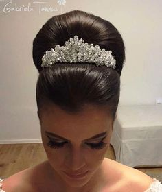 High Updo Wedding, Wedding Hair And Makeup, Wedding Hair Accessories, Wedding Tiara Hairstyles, Bridal Hair Updo, Sleek Hairstyles, Pretty Hairstyles, Sleek Updo, Hair Up Styles