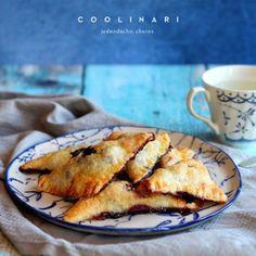 Jablkové tartaletky so slaným karamelom - Coolinári Mini Cheesecakes, Camembert Cheese, French Toast, Breakfast, Blog, Basket, Dulce De Leche, Morning Coffee, Blogging