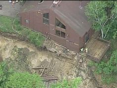 Gigantic sinkhole near Eden Prairie, Minnesota home forces demolition -- Sott.net