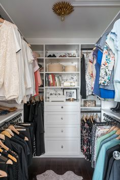 Awesome Small Walk-In Closet Design Ideas and Inspiration for Modern Home Decor - Think that you don't have space for a walk-in closet? That's not true, today I'm sharing small, even tiny walk-in closets and ideas to organize them. Small Walkin Closet, Small Master Closet, Master Closet Design, Walk In Closet Design, Master Bedroom Closet, Small Closets, Dream Closets, Closet Designs, Small Walk In Closet Ideas