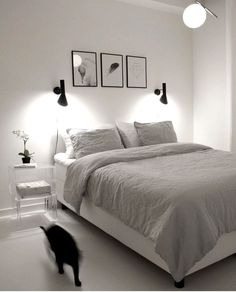 If you want to learn how to live like a minimalist, check out these ideas about minimalist bedroom decor, home decoration and living simple. Bedroom Decor, 36 Minimalist Bedroom Decoration Ideas for Living Simple Simple Bedroom Decor, Home Decor Bedroom, Modern Bedroom, Bedroom Furniture, Bedroom Inspo, Bedroom Décor, Furniture Sets, Simple Bedrooms, Decoration Bedroom