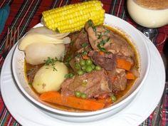 Ingredientes: 1 Pollo trozado 1 Kg de carne de vaca fileteado 1 Espalda de cordero 1 Lb de tunta remojada y cocida 4 Papas peladas y cocidas...