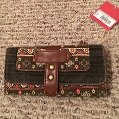 NWT mossimo wallet Mossimo wallet, Christmas gift but no use for it! Mossimo Supply Co Bags Wallets