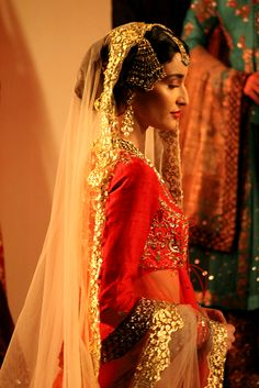 The #Desi Bride in Red, by http://www.AnjuModi.com/Home.aspx @ @thefdci #AICW2015.#Couture Week (July~Aug)