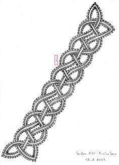 Comme nous sommes en période de vacances et de voyages pour certaines.   Dominique vous emmène du côté de l'Irlande avec ce marque page d'in... Bobbin Lace Patterns, Beading Patterns, Lace Bracelet, Lacemaking, Lace Heart, Jewelry Drawing, Point Lace, Victorian Lace, Lace Jewelry