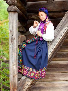 Folklore traditional costume with embroidery Mega Fashion, Folk Fashion, Ethnic Fashion, European Fashion, Ethno Style, Ethnic Dress, We Are The World, Folk Costume, Historical Clothing