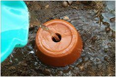 Urban Garden Design Making your own ollas, ancient irrigation method. Permaculture, Irrigation Methods, Water Irrigation, Organic Gardening Tips, Vegetable Gardening, Self Watering, Organic Vegetables, Growing Vegetables, Water Garden