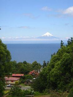 View of the volcano Osorno from Frutillar, Chile    Felicitaciones al fotógrafo!
