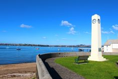 Our guide to Devonport by our Auckland local expert - Auckland's seaside suburb of Devonport can be found on the North Shore, the picturesque peninsula which forms the northern edge of the Waitemata Harbour. Seaside Towns, North Shore, Auckland, New Zealand, New Homes, Building, Travel, Viajes, New Home Essentials