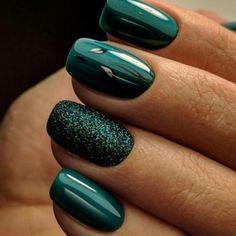 Emerald Green #Nails #Green #Fall || Culture + Tribe