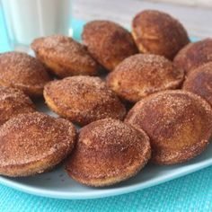 Perfect for afternoon tea or dessert, these easy cinnamon doughnuts are stuffed with Nutella and cooked in a Kmart pie maker. Nutella Recipes, Pie Recipes, Sweet Recipes, Chicken Recipes, Bisquick Recipes, Pastry Recipes, Kitchen Recipes, Shrimp Recipes, Deserts