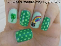 St. Patrick's Day nails. Super cute! I love the rainbow with the pot of gold!