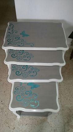 Hand painted furniture wooden signs new ideas Painted Wooden Chairs, Hand Painted Furniture, Paint Furniture, Furniture Makeover, Cute Furniture, Small Furniture, Vintage Furniture, Stencil Decor, Wooden Picture