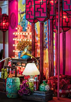 Modern Shanghai Inspired Theme At Hilton Kuala Lumpur - The Wedding Notebook magazine - Oriental Theme. Chinese Wedding Decor, Oriental Wedding, Chinese Theme, Chinese New Year Decorations, New Years Decorations, Chinese Style, Shanghai Night, Old Shanghai, Shanghai Tang