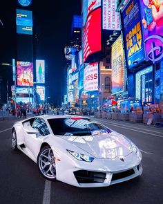 Lamborghini Huracán « first On with I think women like Ferraris. A Ferrari is everybody's car. Huracan Lamborghini, Best Lamborghini, White Lamborghini, Bmw, Audi, Supercars, Top Luxury Cars, Mercedes Sls, Ferrari California